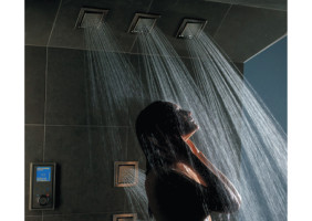 Auscan-Plumbing-Bathroom-Ideas-Body-Spray-Tiles